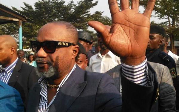 Koffi Olomide à la prison de Makala pour un événement