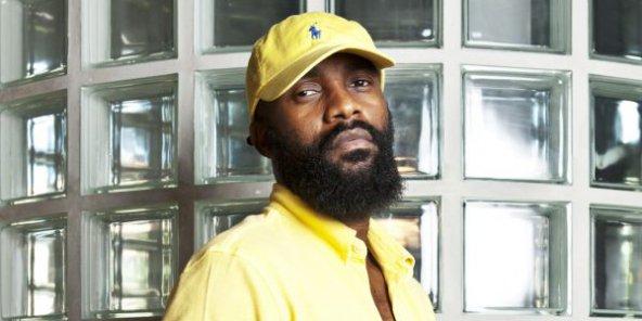 Scandale : Fally Ipupa a Tokossement été giflé par un fan au Cameroun