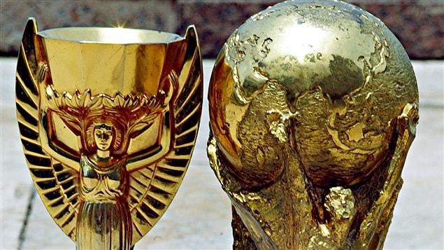 L'histoire du trophée de la coupe du monde de football. 5 CHOSES QUE VOUS IGNOREZ