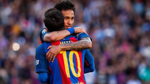 Lionel Messi dit au revoir à Neymar  . Les images